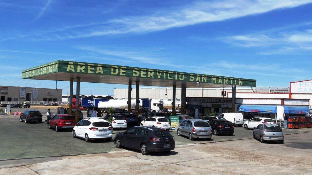 Foto: Gasolinera en Badajoz. (Efe)