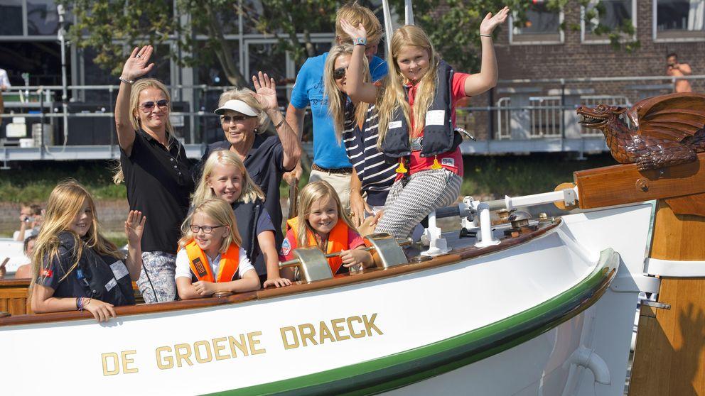 La familia real holandesa se despide de las vacaciones a bordo del Groene Draeck