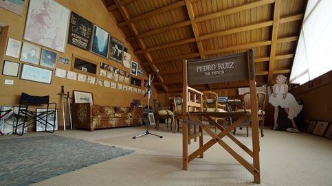 Entramos en la fortaleza de Pedro Ruiz para charlar de Felipe VI, Cela y Maradona