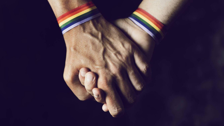 Foto: Una pareja bisexual. (iStock)