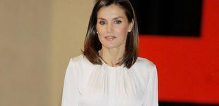 Post de Letizia, una reina detallista: se viste de 'chica de la Cruz Roja'