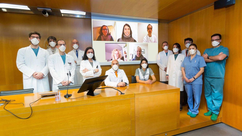 Chaccour (c), junto a los autores del trabajo. (Clínica Universidad de Navarra)
