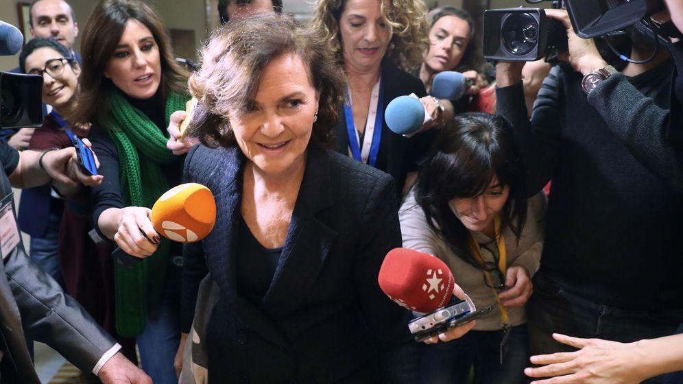Foto: La vicepresidenta primera, Carmen Calvo, este 12 de febrero llegando a la Comisión Constitucional del Congreso.