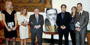 Ana Botella y las 'chicas Ansón' rinden homenaje al académico