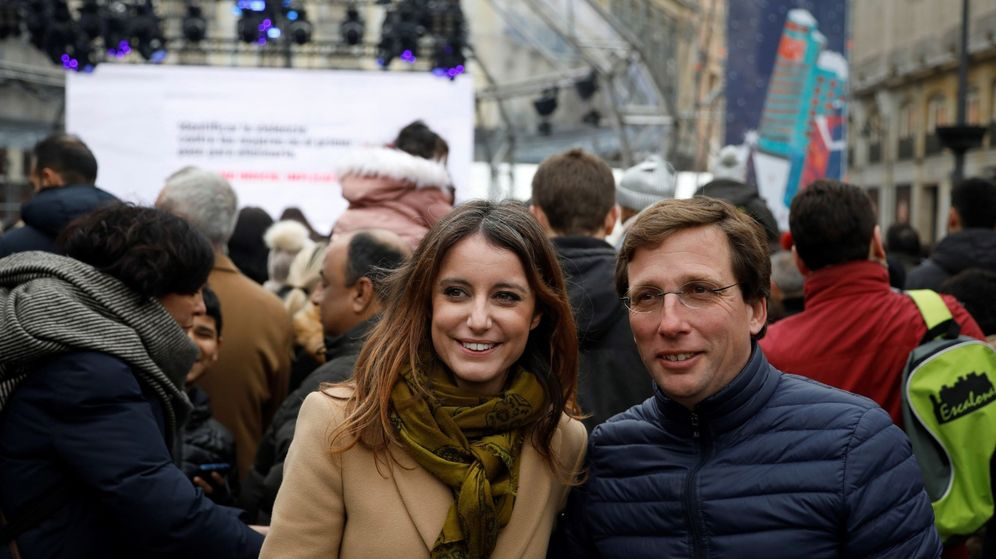 Foto: Andrea Levy junto a José Luis Martínez-Almeida estas navidades (EFE)