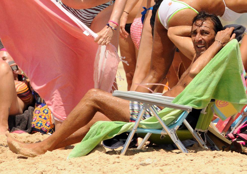 Foto: Antonio Carmona en una imagen de archivo durante unas vacaciones en Cádiz en 2013 (Gtres)