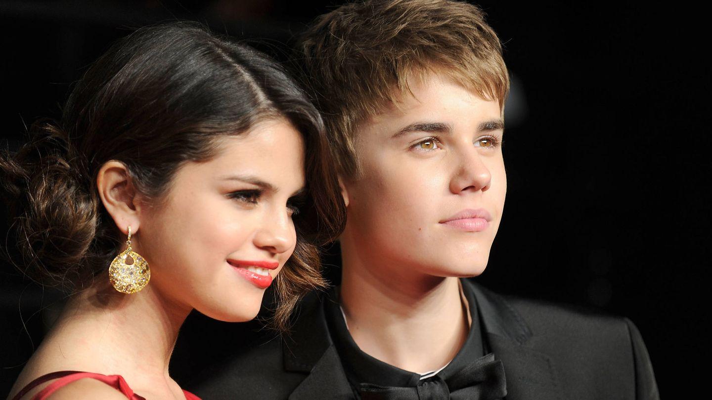 Selena Gomez y Justin Bieber, en 2011. (Getty)