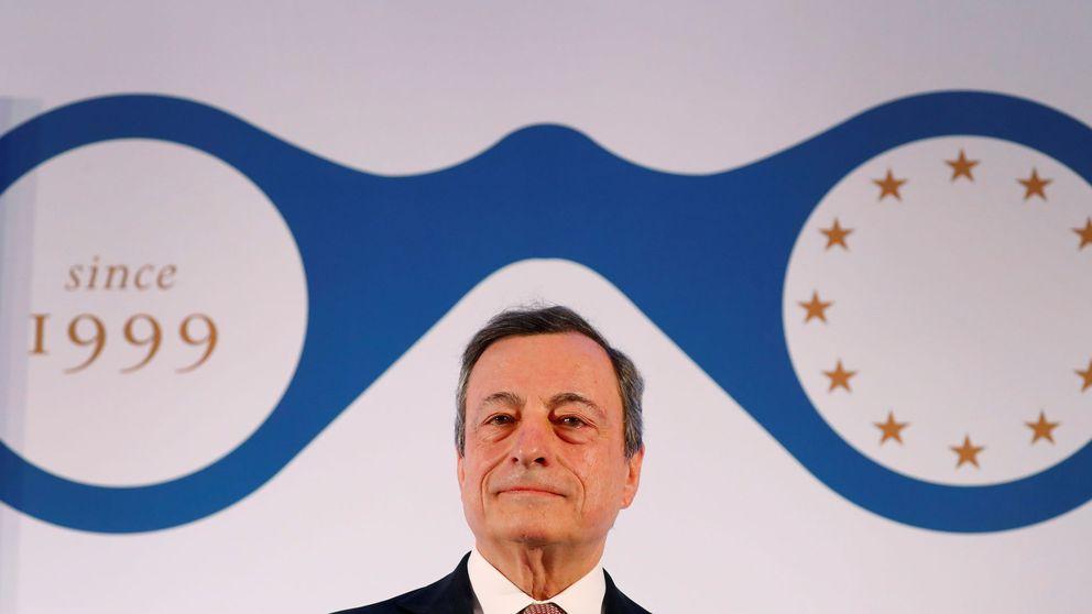 Draghi echa un capote a la banca: no descarta medidas para paliar los tipos negativos