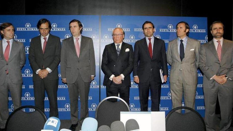 Ruiz-Mateos y sus hijos anunciando el concurso de acreedores de Nueva Rumasa. (Gtres)