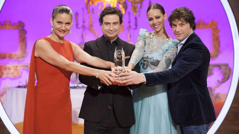 Samantha Vallejo-Nágera, Pepe Rodríguez, Eva González y Jordi Cruz en la final de 'MasterChef Junior 4'. (RTVE)