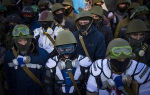 El Gobierno de Ucrania tienta a los grupos opositores con una amnistía