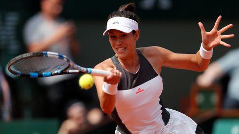 Muguruza saca su lado más serio para debutar con victoria en Roland Garros