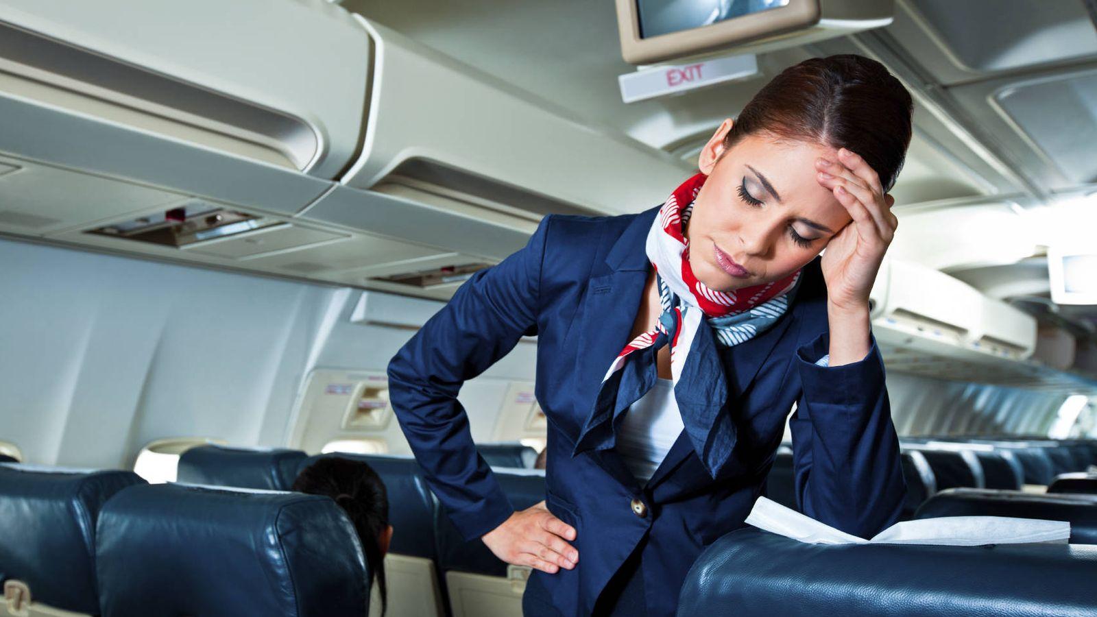 Como es auxiliar de vuelo en ingles