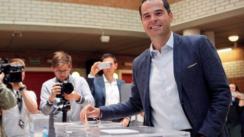 Elecciones municipales 2019: Ignacio Aguado acude a votar y pide a los madrileños que pongan nota a su partido