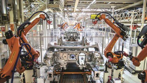 La facturación de la industria modera su caída al 9,9% y vende un 1,6% más