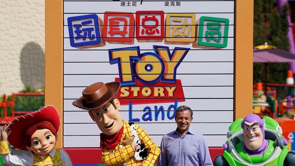 Foto: Bob Iger, durante la presentación de un parque de atracciones en Shanghai dedicado a Toy Story (Reuters/Aly Song)