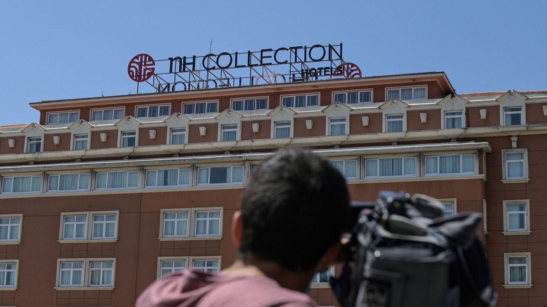Imagen del hotel en el que se encuentra confinado la expedición del Fuenlabrada. (Efe)