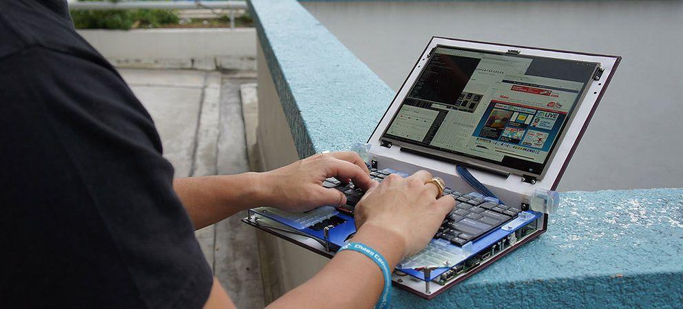 Foto: Háztelo a tu gusto: un portátil construido (casi) íntegramente con 'hardware' libre
