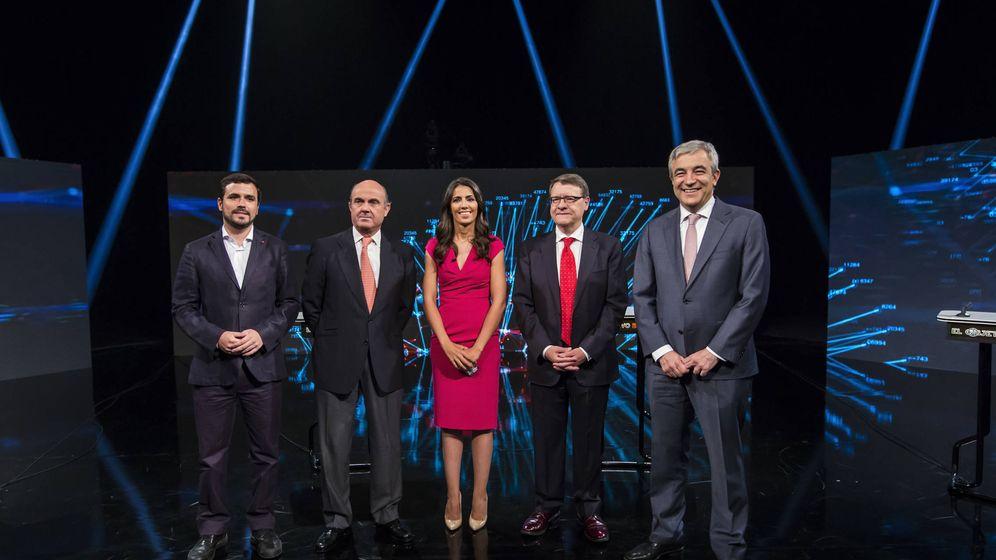 Foto: Alberto Garzón, Luis de Guindos, Ana Pastor, Jordi Sevilla y Luis Garicano. (Alberto R. Roldán / Atresmedia)