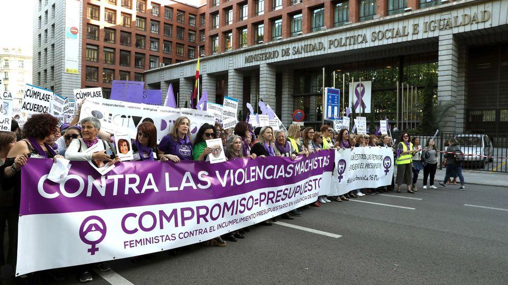 Foto: Manifestación del movimiento feminista por el incumplimiento del pacto de estado contra la violencia de género. (EFE)