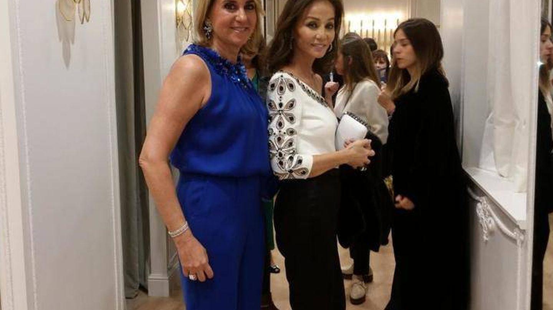Isabel Preysler con Susana Gallardo. (VA)