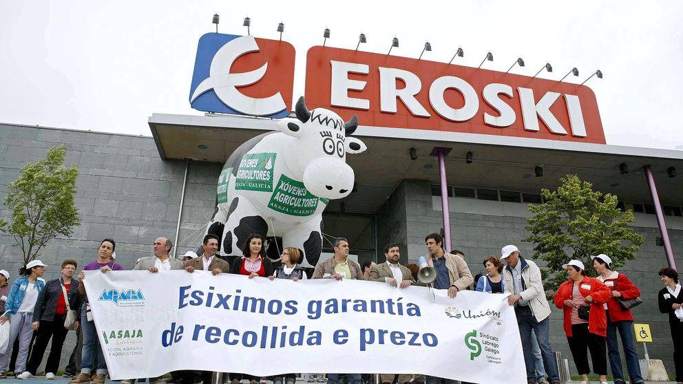 La banca pide a Eroski eliminar la cooperativa para poder trocear el grupo