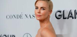 Post de Charlize Theron vuelve a cambiar su bowl cut