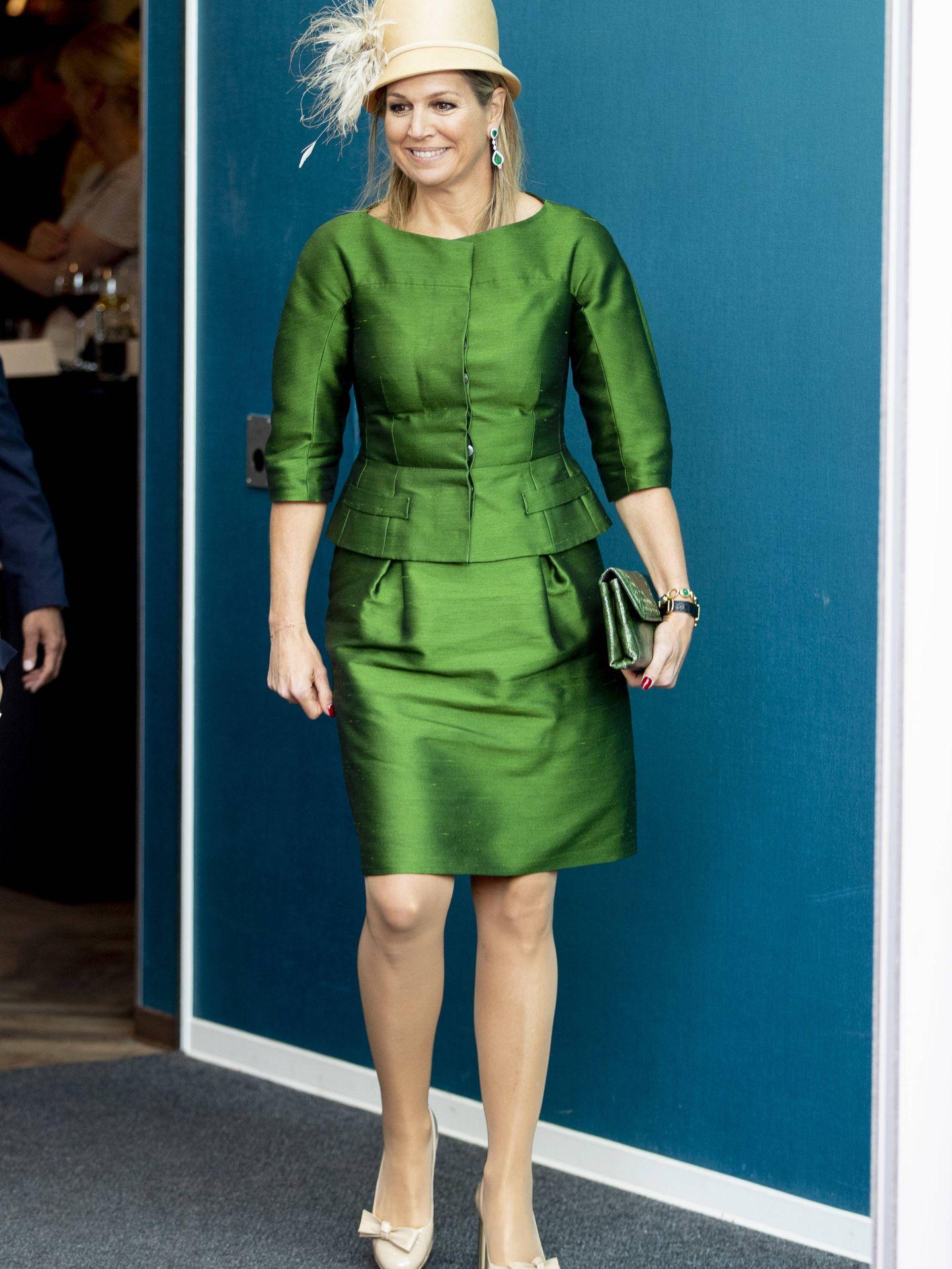 La reina Máxima, con un diseño de Natan y sombrero de Fabienne Delvigne. (Getty)