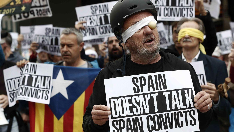 Así es el nuevo decálogo independentista para mermar la imagen de España