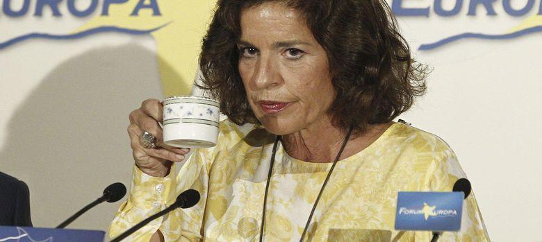 Foto: Ana Botella con su famoso café con leche. (Efe)