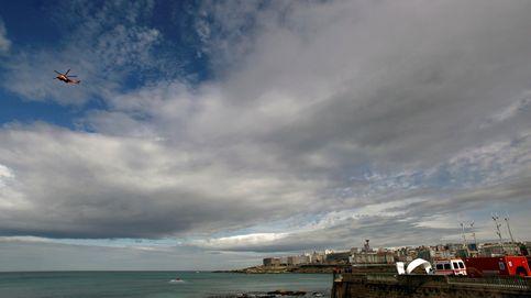 Recuperan el cadáver de un hombre que flotaba en la Playa de Riazor de A Coruña