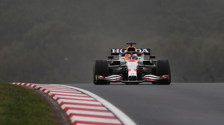Verstappen sufre problemas en su monoplaza. (Reuters)