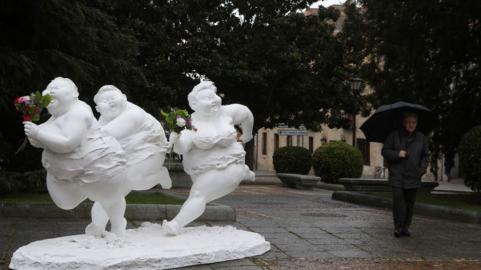 Destrozan una de las Gorditas del escultor chino Xu Hongfei en Salamanca