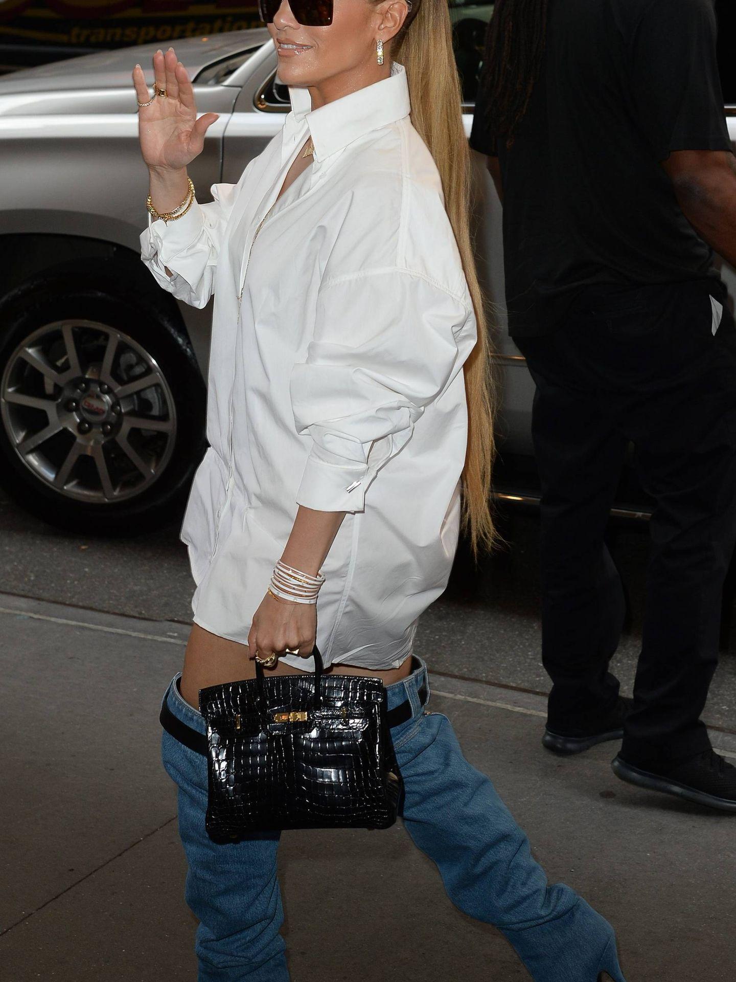 Jennifer Lopez paseando, recientemente, por las calles de Nueva York. (CORDON PRESS)