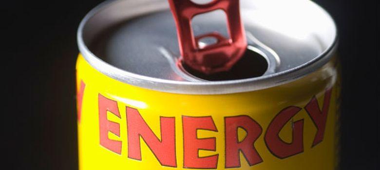 Foto: Cada vez son más los estudios científicos e informes institucionales que alertan sobre los riesgos del consumo de bebidas energéticas. (Corbis)