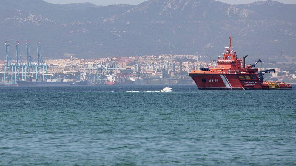 La Guardia Civil busca a un narco que cayó al agua cuando cruzaba el Estrecho
