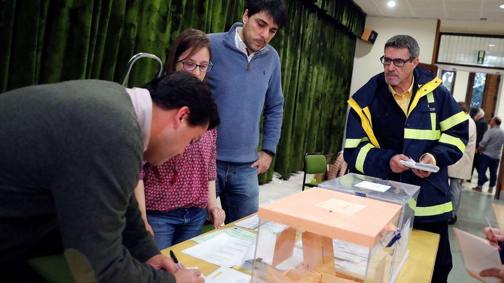 Foto: Mesa electoral de las elecciones generales. (Efe)