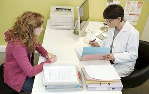 Por qué te hacen esperar tanto cuando vas a ver al médico