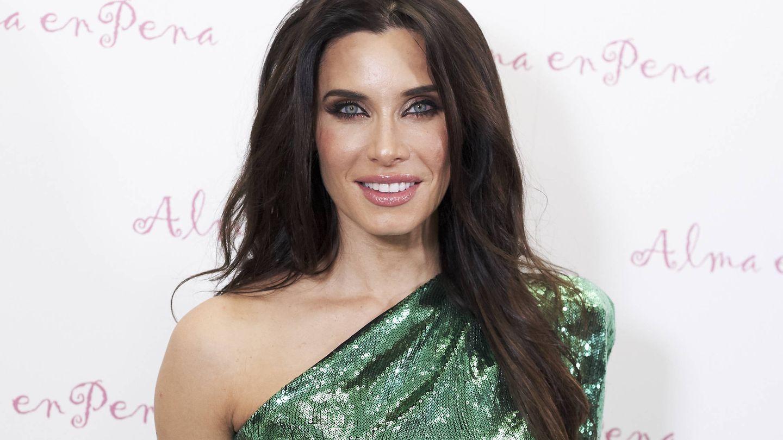 Pilar Rubio, con vestido verde, uno de los colores posibles para su vestido. (Getty)