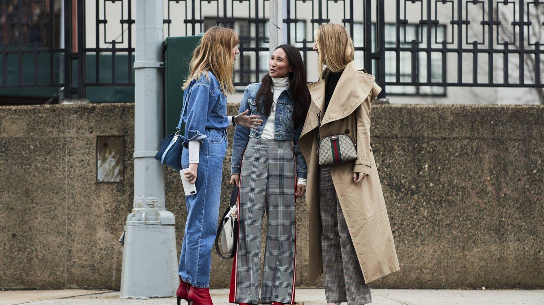 Los tres trucos (nunca vistos) que harán que llevar jeans para ir a trabajar sea un acierto