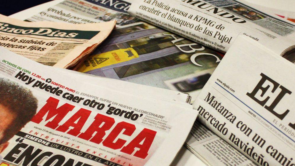 Foto: Ejemplares de periódicos de papel. (Enrique Villarino)