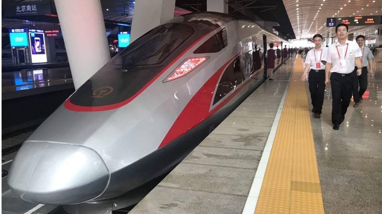 1.300 kilómetros en 4 horas: China vuelve a sacar a pasear al tren-bala más rápido del mundo