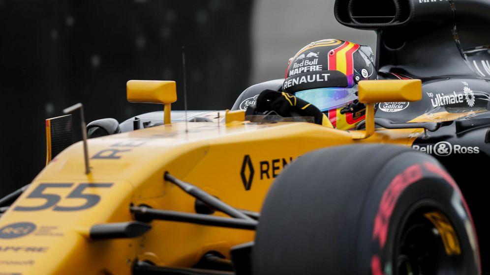 Foto: Carlos Sainz está impresionando al paddock de la F1 en sus primeras carreras con Renault. (EFE)