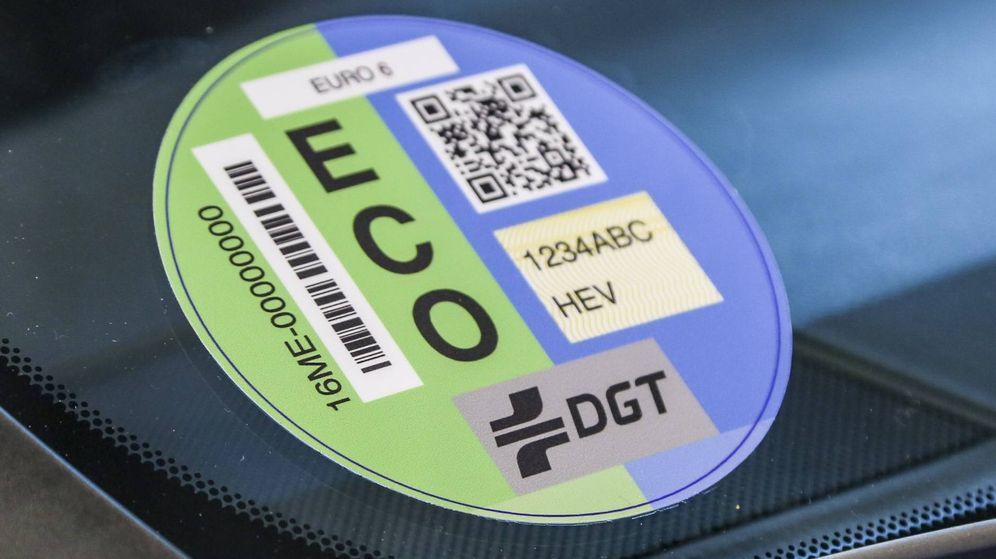 Foto: Los coches híbridos tienen etiqueta ECO.