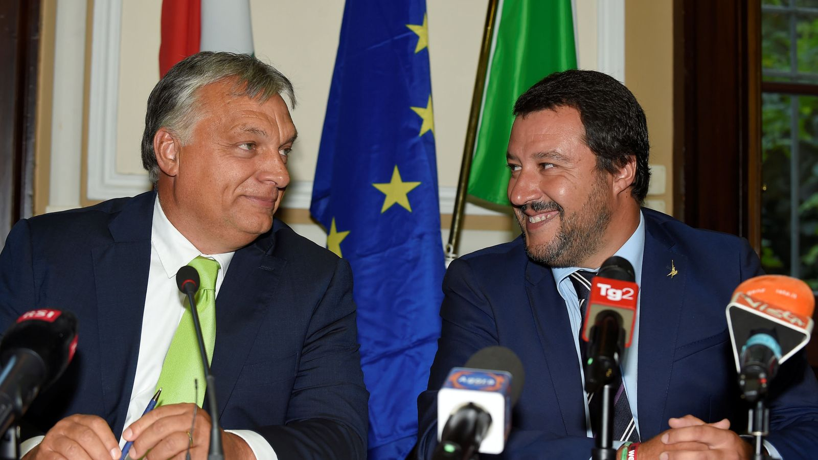Foto: El ministro del Interior Matteo Salvini durante su encuentro con el primer ministro húngaro, Viktor Orban, en Milán. (Reuters)
