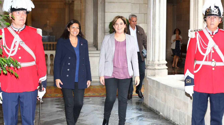 Foto: Ada Colau y Anne Hidalgo en Barcelona (Gtres)