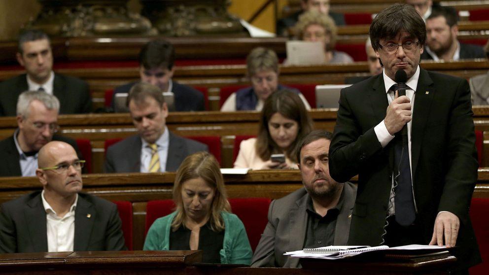 Puigdemont no pondrá 'típpex' en la tarjeta de Exteriores tras su suspensión