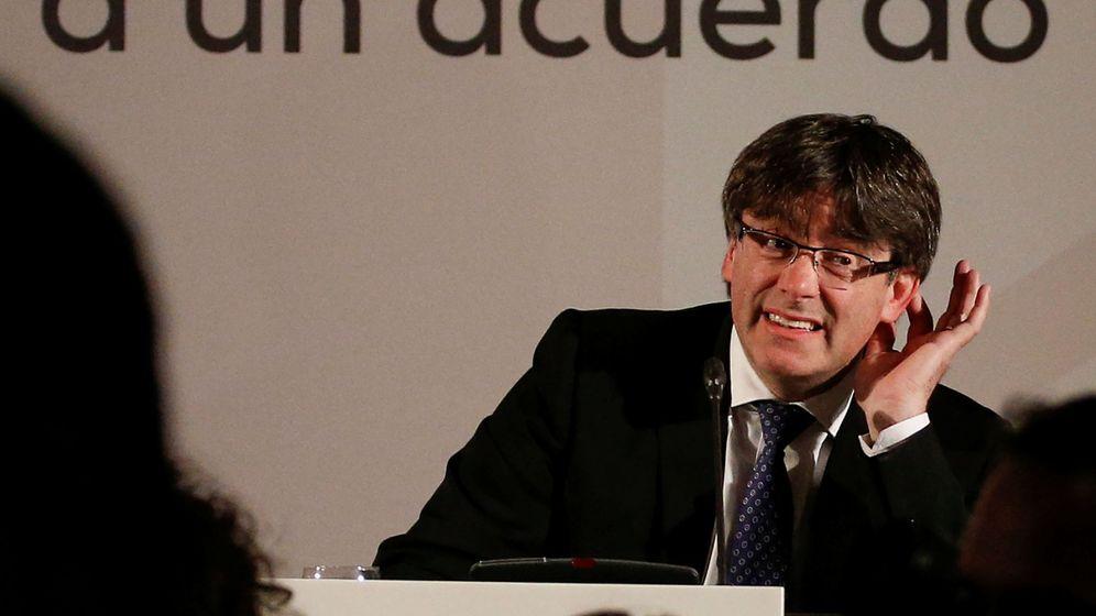 Foto: El presidente de la Generalitat, Carles Puigdemont, durante su intervención en la conferencia 'Un referéndum para Cataluña. Invitación a un acuerdo democrático', el lunes en Madrid. (Reuters)