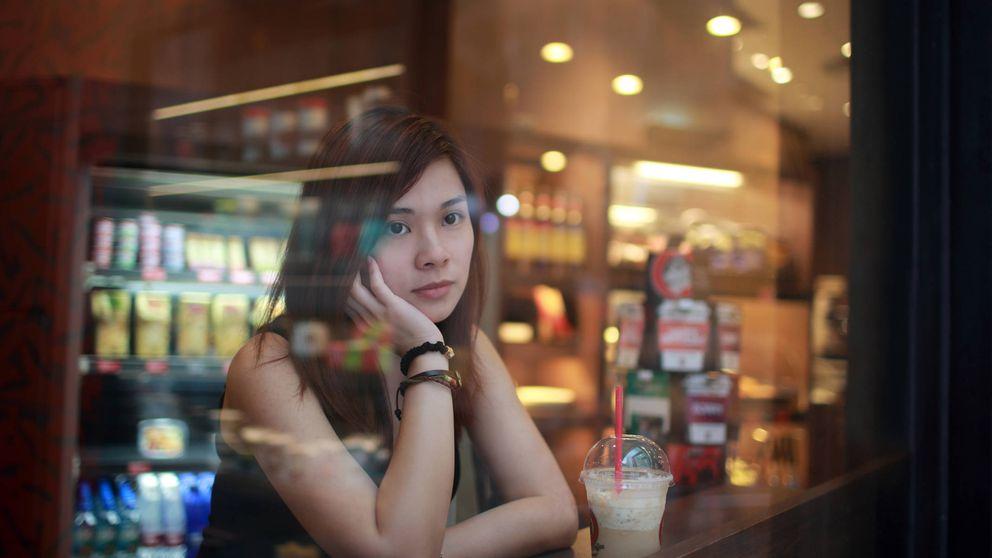 Por qué los japoneses ya no tienen amigos y van solos a los karaokes