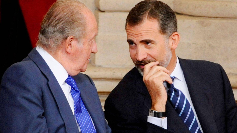 Felipe VI y Juan Carlos. (Getty)
